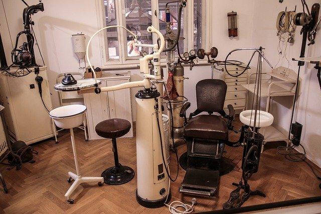 děsivá ordinace zubaře