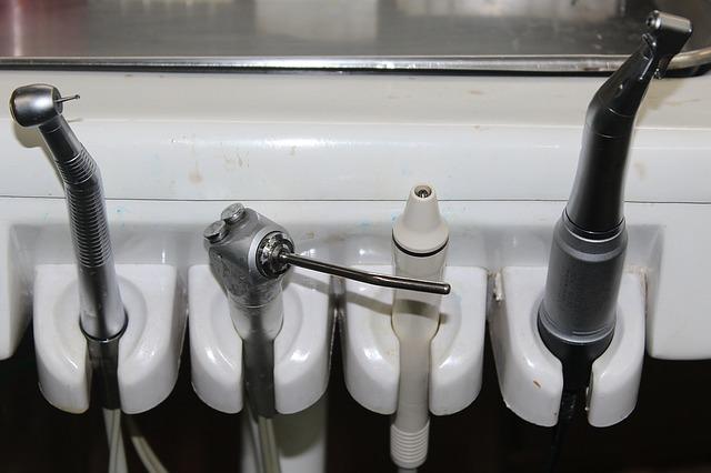 zubařské nástroje