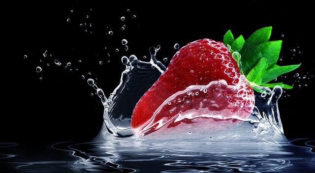 pád jahody do vody