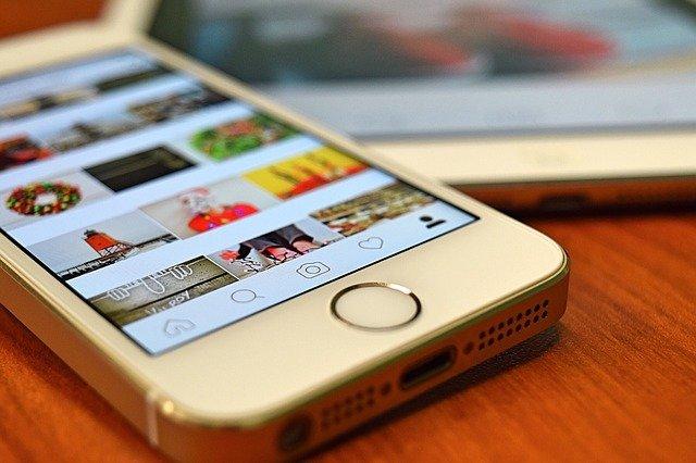 instagram a mobilní telefon