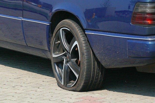 prázdná pneumatika