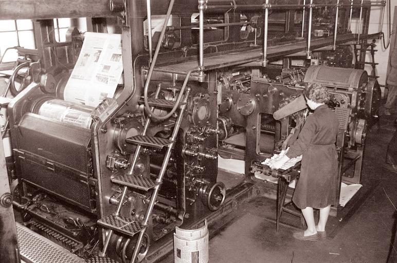 tiskařský stroj.jpg
